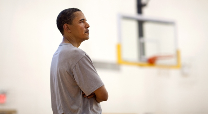 Obama Picks Lakers In Six Games
