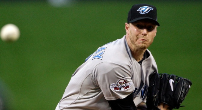 Phils Remain Favorites to Get a Halladay: SI