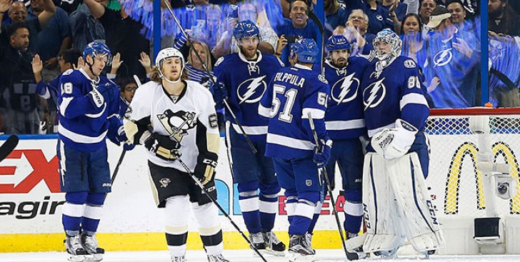 Best of NHL  Nikita Kucherov Hat Trick Lifts Lightning Over Bruins ... 01420097ae8