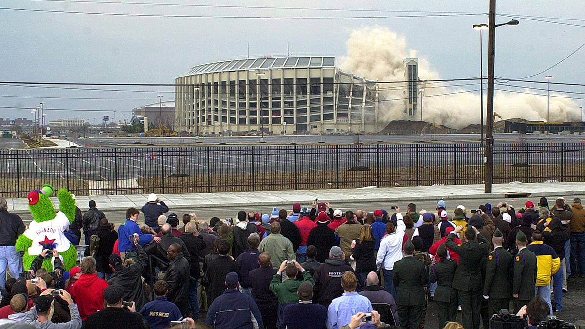 WATCH: Veterans Stadium Implosion 15 Years Later