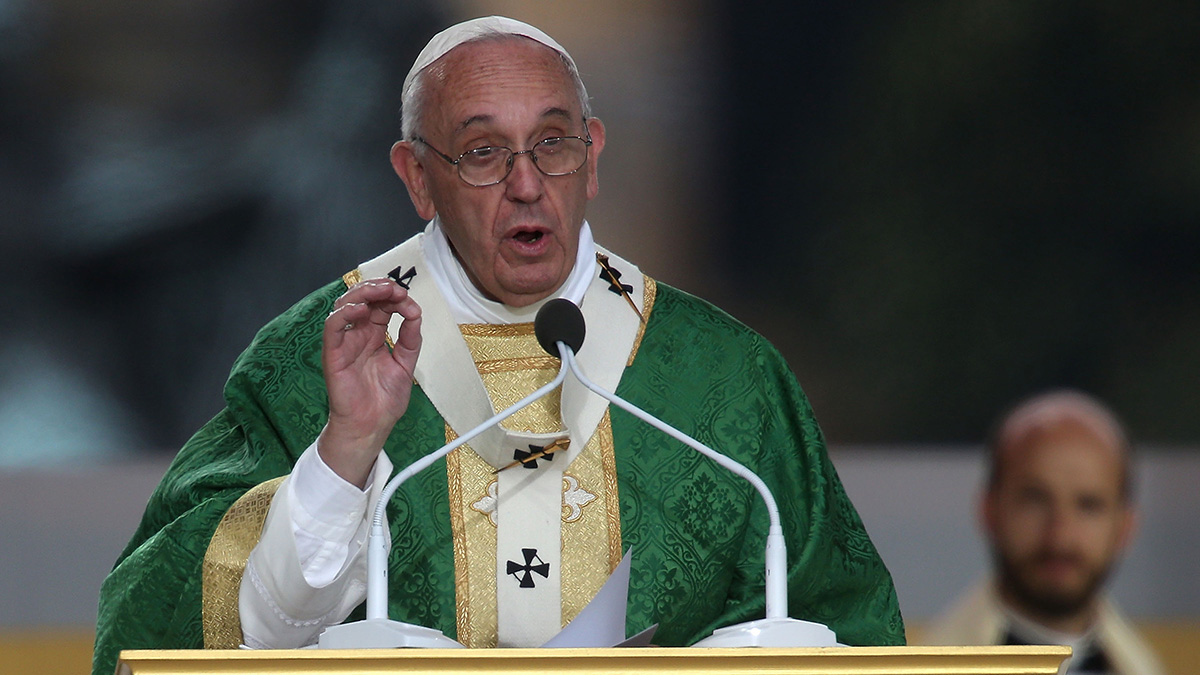 Pope Francis celebrates mass during the World Meeting of Families on September 27, 2015 in Philadelphia, Pennsylvania.